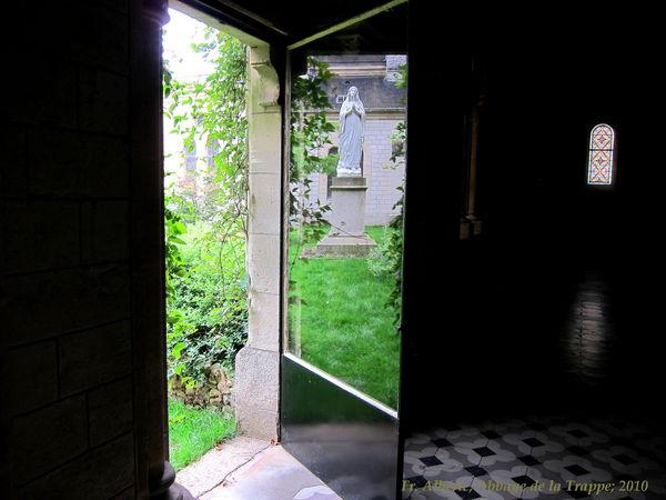 Porte ouverte sur paysage for Porte ouverte